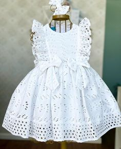 Kids Dress Wear, Dresses Kids Girl, Cute Dresses, Kids Outfits, Flower Girl Dresses, Baby Girl Fashion, Kids Fashion, Baby Dress Patterns, Frock Design