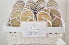 """Korb + 15 Stück Sandalen """"Kick off your shoes""""  von little-pink-butterfly auf DaWanda.com"""