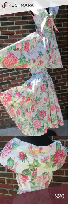 """Sale🌲Vintage Floral Cottage Dress Size 6 80s Floral Cottage Chic Dress. Beautiful Condition ! Total Length: 48"""" Cap Sleeves: 4"""" Bust: 36"""" Waist: 30"""" Shoulder: 17"""" Hips Free Buttons: 6 front closure Label: Expo Size 6 Colors: Pink, Pale Yellow, Green and Maroon Sailor Collar with Tie Back Waist Tie. Very Full Tea Length Skirt. 100% Cotton Fabric with Medium Weight. Vintage Dresses Maxi"""