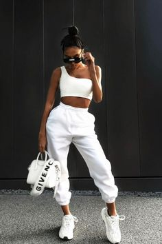 Street Style: The 30 Best Looks For Everyday - Outfit Ideas Cute Comfy Outfits, Sporty Outfits, Teen Fashion Outfits, Mode Outfits, Look Fashion, Stylish Outfits, Summer Outfits, Girl Outfits, Lazy Outfits