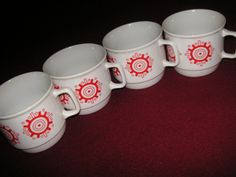 http://galeriasavaria.hu/termekek/reszletek/porcelan/831281/Zsolnay-csesze-4-db/