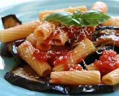 Ok. Pasta con Berenjena, Tomate y Mozzarella   ContigoSalud . Marzo2015:La foto vende más que el plato en sí.