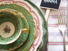 Produktgalleri | Dekk Mitt Bord! Grønn og rød borddekking #bryllup #wedding #green #table setting