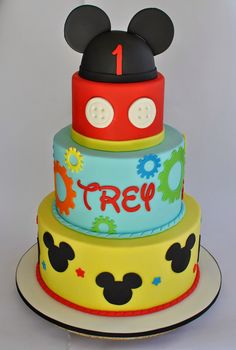 Mickey Mouse Cake, Hope's Sweet Cakes, hopessweetcakes.com