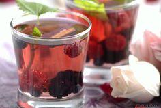 Receita de Sangria de frutos vermelhos. Descubra como cozinhar Sangria de frutos vermelhos de maneira prática e deliciosa com a Teleculinária!