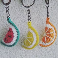 Crochet Keychain Pattern, Love Crochet, Crochet Crafts, Crochet Earrings, Knitting, Brooches, Projects, Etsy, Crochet Fruit