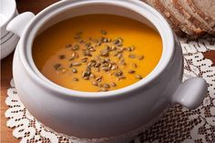 Roasted Butternut Squash Soup || I cannot wait to make this (maybe without the pumpkin seeds on top...)!