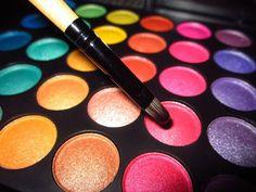 Eye shadow #color #F4F #FF