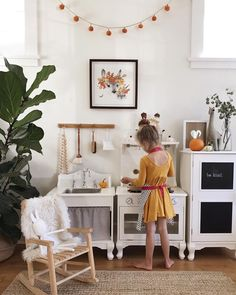 212 mentions J'aime, 19 commentaires – kristine (@lee_kristine) sur Instagram : « i have slowly been adding bits of autumn to the girls playroom for the past month. today taylor… »