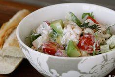 Restesalat med pasta og reker - Enestående Mat Lunch Wraps, Potato Salad, Cabbage, Salads, Potatoes, Vegetables, Ethnic Recipes, Food, Potato