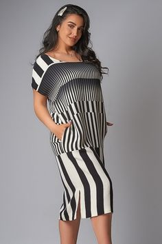 Прямое платье с карманами IS-841 Striped Pants, Fashion, Moda, Stripped Pants, Fashion Styles, Fashion Illustrations, Fashion Models, Stripe Pants