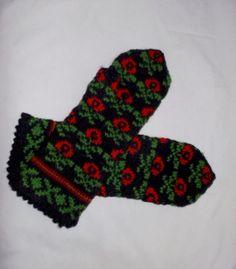 Hand knitted black green red warm wool by peonijahandmadeshop, $44.00