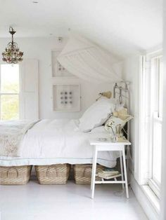 Simple white bedroom decor with under bed storage baskets. Decor, Home, Home Bedroom, Bedroom Storage, Tiny Bedroom, Bedroom Design, Bedroom Inspirations, Under Bed Basket, New Room