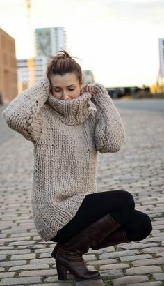 Turtleneck Outfit, Sweater Outfits, Thick Sweaters, Wool Sweaters, Chunky Wool, Sweater Fashion, Women's Fashion, Sweater Shirt, Turtle Neck