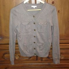 Cute multipocket cardigan In great condition. Has multiple pockets that clasp closed. Great neutral tan color GAP Sweaters Cardigans
