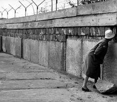 Berlin Wall peeping tom