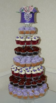 don't like top cake or the varied cupcake papers but like the variety cupcakes offer