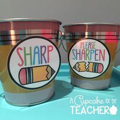 A Cupcake for the Teacher: Pencil Cup Labels {Freebie} First Grade Teachers, First Grade Classroom, Classroom Setup, Kindergarten Classroom, Future Classroom, School Classroom, Classroom Design, Classroom Labels Free, Classroom Procedures