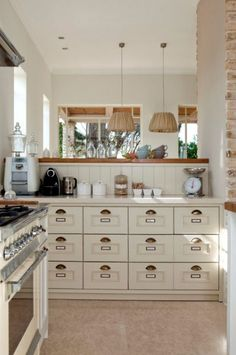 In recent years, the kitchens designed in a country style have returned to the global trend scene, which have dictated the general appearance of the kitchen and in turn, the overall atmosphere of the home.  Read more about the transition from the Country Kitchen to the Classic Country Kitchen.