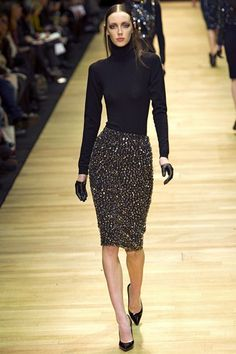 Guy Laroche Fall 2013 Ready-to-Wear Collection Photos - Vogue Passion For Fashion, Love Fashion, High Fashion, Fashion Show, Womens Fashion, Fashion Design, Paris Fashion, Guy Laroche, Classy And Fabulous