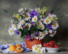 """7 das Artes: """"Still life"""" flores e frutas."""