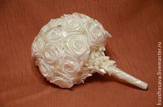 """Свадебные цветы ручной работы. Ярмарка Мастеров - ручная работа Букет невесты из атласных лент """"Белый снег"""". Handmade."""