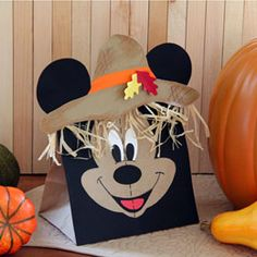 Mickey Paper Bag Scarecrow - Just in case I ever need a vehicle for a Disney treat at Thanksgiving