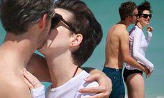 Anne Hathaway and husband Adam Shulman enjoy PDA-heavy beach vacation #DailyMail