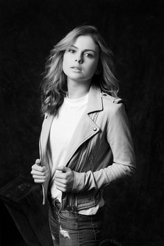 Actress to Know: 'iZombie' Star Rose McIver via @WhoWhatWear