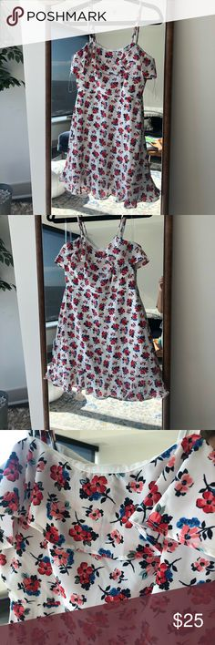 Shop Women's White Pink size S Mini at a discounted price at Poshmark. Never worn. Summer Dresses, Mini, Womens Fashion, Floral, Closet, Things To Sell, Tops, Style, Swag