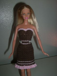 Crochet for Barbie (the belly button body type): Chocolate Skirt with Pink Ruffle