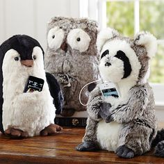 I know I am totally ODing on PB Teen but I can't help it!  These things are super cute and really affordable... I die for the owl!!....Rockin' Plush Speaker Animals #pbteen