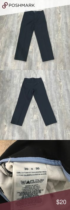 Men's black khakis Mens black khaki pants. Worn a bit but still in great condition. Size 30 x 30. Straight fit. Dockers Pants Chinos & Khakis