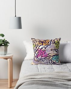 Throw Pillows, Bed, People, Home, Toss Pillows, Stream Bed, Decorative Pillows, Decor Pillows, Beds