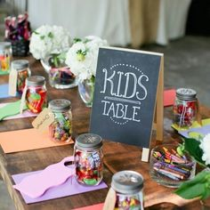 Kids table- such a brilliant idea. Definitely considering this for my future wedding.