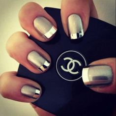 Glamour Golden Nail Designs For Prom