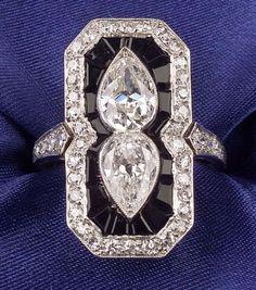 Art Deco Platinum, Diamond and Onyx Ring, bezel-set with old pear-cut diamonds… Old Jewelry, Antique Jewelry, Vintage Jewelry, Fine Jewelry, Vintage Rings, Jewlery, Art Deco Ring, Art Deco Diamond, Diamond Jewelry