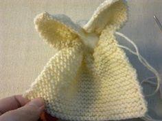 Lumoava Liila: Neulottu pupu Crochet Hats, Fashion, Knitting Hats, Moda, Fasion, Trendy Fashion, La Mode