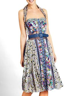 The closer I look, the more I love this. Byron Lars, Casual Dresses, Short Dresses, International Fashion, Street Chic, Boho Outfits, Strapless Dress, Floral Prints, Fashion Design