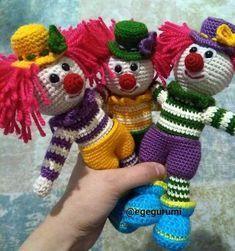 Leithygurumi: Amigurumi Palyaço Türkçe Tarif / Amigurumi Clown Turkish Pattern Amigurumi Toys, Amigurumi Patterns, Softies, Doll Patterns, Crochet Motifs, Crochet Patterns, Turkish Pattern, Clowns, Christmas Art