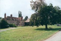 Midsomer Murders locaties: Warborough, Oxfordshire. Aflevering: Market for Murder.