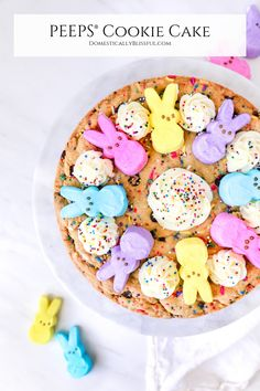 This PEEPS® Cookie Cake is made with a homemade sprinkle chocolate chip cookie & topped with a homemade PEEPS® Sweet Marshmallow Buttercream Frosting & PEEPS® Marshmallows. Chocolate Caramels, Chocolate Desserts, Chocolate Chip Cookies, Marshmallow Buttercream, Buttercream Frosting, Spring Desserts, Christmas Desserts, Easter Treats, Easter Food
