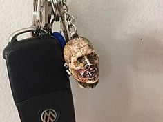 Our Severed Zombie Head Halloween Keychain is excellent for any Zombie fan. With Halloween right around the corner (and when isn't it? Zombie Head, Zombie Face, Best Zombie, Zombie T Shirt, Zombies Run, Zombie Gifts, Plant Zombie, Presents For Him, 2020 Design
