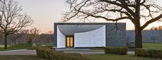 Lakewood Cemetery Garden Mausoleum / HGA Architects and Engineers, Paul Crosby Photography
