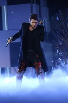 He looks sexy as hell in this outfit!