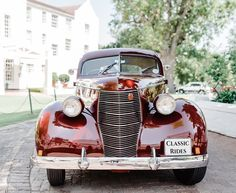 In case you missed it, our second post just went live 🌟  In this post we explain all the tips and tricks necessary to find the perfect classic car for your special event.  You can find the post in our blog on our website: 💙 www.classic-rides.co.za 💙 🚙 Barry's 1938 Studebaker Commander Coupe  #car #vintage #capetown #stellenbosch #luxury #franschoek #paarl #southafrica #style #classic #classiccars #bentley #rollsroyce #jaguar #wedding #weddingcar #matricdance #matricball #mustang… Wedding Car, Rolls Royce, Jaguar, Mustang, Antique Cars, Classic Cars, Website, Live, Luxury