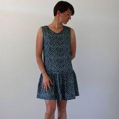 La voilà portée et sous toutes les coutures, cette robe Jade de @louisantoinetteparis Rendez-vous sur le blog pour la littérature sur ce modèle. #robejade #jadeLAP #louisantoinetteparis #louisantoinette #jeportecequejecoudsAvec mon nouveau compagnon jaune citron de @zucoulisses 🍋 Couture, Blog, Instagram, Dresses, Fashion, Jade Dress, Lemon, Yellow, Vestidos