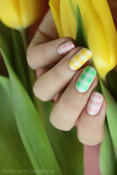 Pretty pastel nails for Easter. Click through for how to