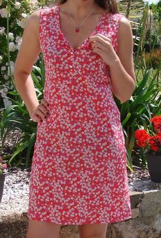 Sewing patterns tops tunics Ideas for 2019 Coin Couture, Couture Sewing, Tunic Dress Patterns, Popular Wedding Dresses, Couture Tops, Top Pattern, Short Dresses, Tunic Tops, Pullover