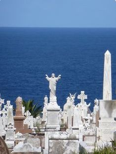 Statues at Waverley Cemetery